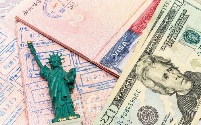 Стоимость американской визы для россиян